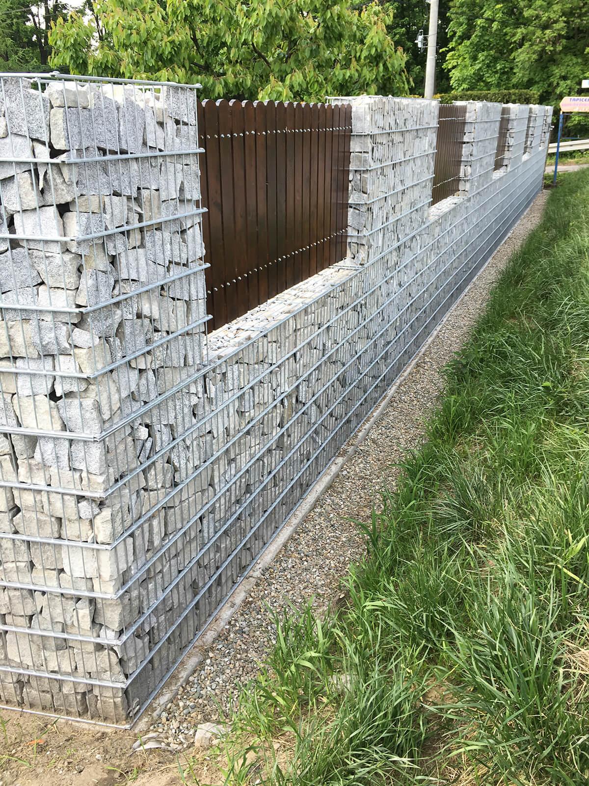 Ogrodzenie budynku z wyselekcjonowanych materiałów do ogrodów